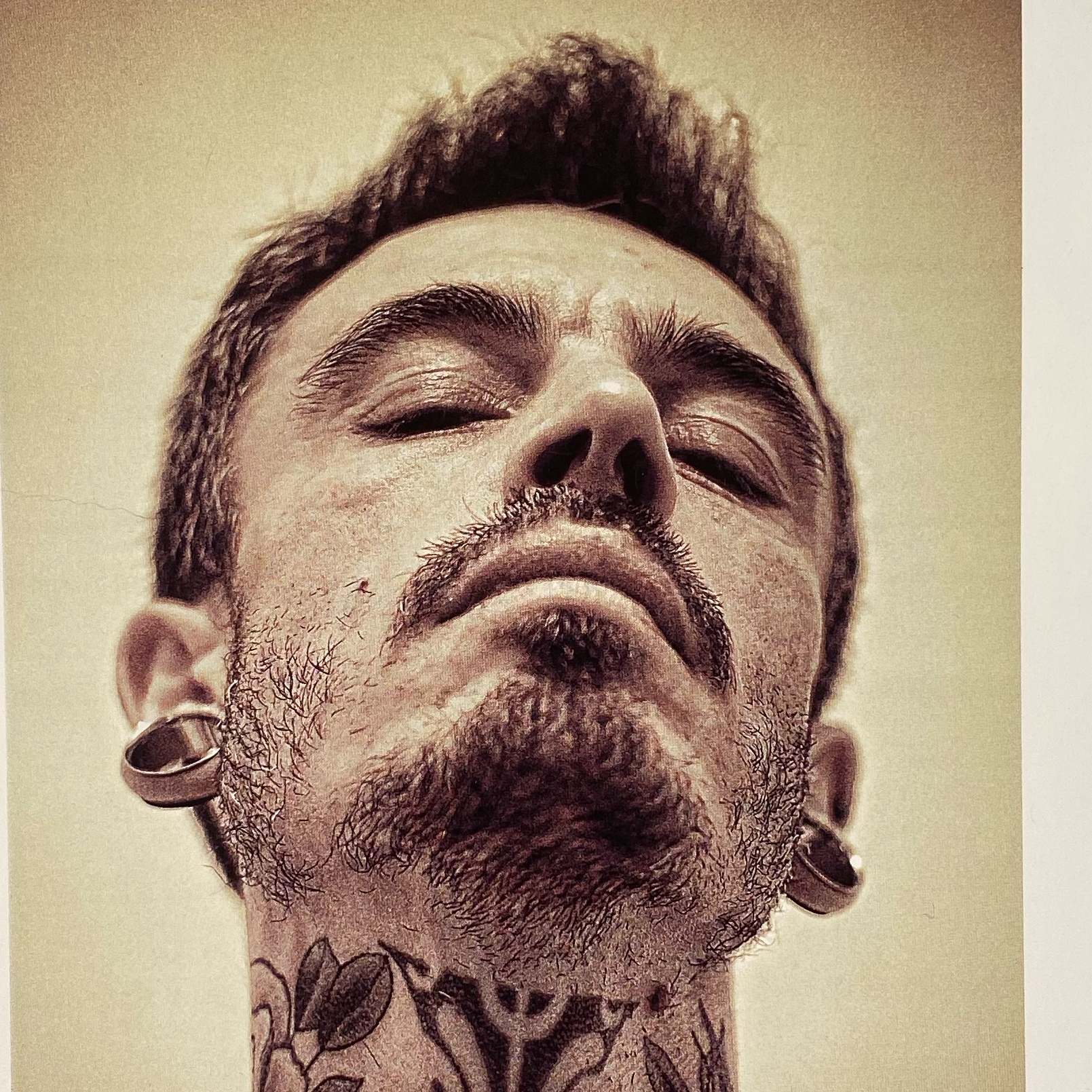 Lucien La Cour Des Miracles Tatouage Tattoo Piercing Recouvrement Cover Toulouse Paris 4eme