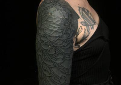 Tattoo Pivoine fait par Sacha