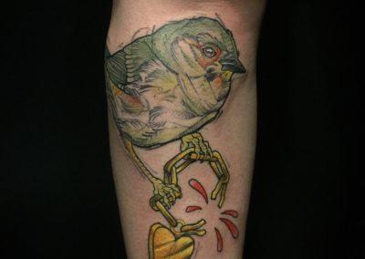 Tattoo Oiseau graphique fait par Sacha