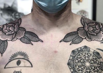 Tatouage Pivoine fait par Wan
