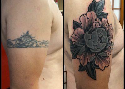 Tattoo Cover pivoine fait par Brice